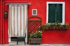 Χρωματισμένα σπίτια Burano Στοκ φωτογραφία με δικαίωμα ελεύθερης χρήσης