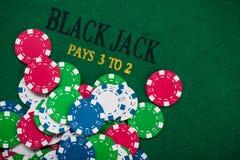 Χρωματισμένα τσιπ πόκερ Στοκ Εικόνες