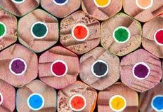 Χρωματισμένα υπόβαθρο μολύβια, που συσσωρεύονται Στοκ φωτογραφία με δικαίωμα ελεύθερης χρήσης