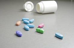 Χρωματισμένα χάπια Στοκ εικόνα με δικαίωμα ελεύθερης χρήσης