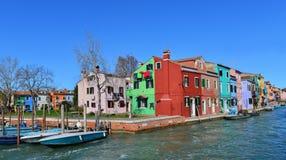 Χρωματισμένα Burano σπίτια Στοκ Εικόνες
