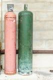 Χρωματισμένα gaz μπουκάλια στην οδό Στοκ εικόνες με δικαίωμα ελεύθερης χρήσης