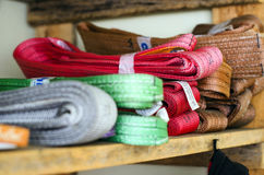 Χρωματισμένες λειτουργικές διαδικασίες σφεντονών για τα βαριά φορτία Στοκ Φωτογραφία