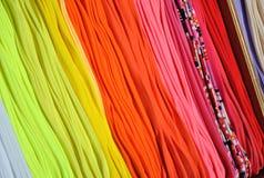 Χρωματισμένες κάλτσες στην αγορά 1 Στοκ φωτογραφίες με δικαίωμα ελεύθερης χρήσης