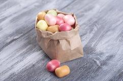 Χρωματισμένες καραμέλες, μαρμελάδα, lollipops στοκ εικόνες