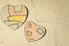 Χρωματισμένες καρδιές εγγράφου Στοκ φωτογραφία με δικαίωμα ελεύθερης χρήσης