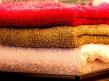 χρωματισμένες πετσέτες Στοκ Φωτογραφία