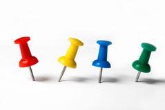 χρωματισμένες πινέζες Στοκ Φωτογραφία