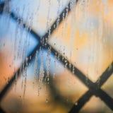 Χρωματισμένες πτώσεις γυαλιού το πρωί Στοκ εικόνα με δικαίωμα ελεύθερης χρήσης