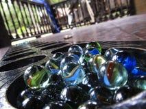 Χρωματισμένες σφαίρες γυαλιού Στοκ εικόνα με δικαίωμα ελεύθερης χρήσης