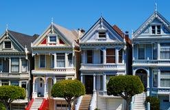 Χρωματισμένες το Σαν Φρανσίσκο κυρίες Στοκ φωτογραφίες με δικαίωμα ελεύθερης χρήσης