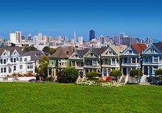 Χρωματισμένες το Σαν Φρανσίσκο κυρίες Στοκ Φωτογραφίες