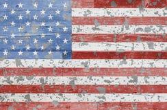 Χρωματισμένη αμερικανική σημαία στο ξύλο σιταποθηκών Στοκ εικόνες με δικαίωμα ελεύθερης χρήσης