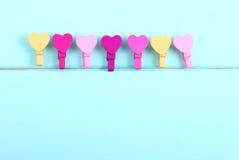Χρωματισμένη καρδιά γόμφων Στοκ εικόνα με δικαίωμα ελεύθερης χρήσης