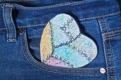 Χρωματισμένη καρδιά εγγράφου Στοκ φωτογραφία με δικαίωμα ελεύθερης χρήσης