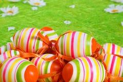 χρωματισμένη κρητιδογραφία αυγών Πάσχας Στοκ Φωτογραφία