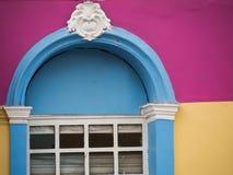 Χρωματισμένη πρόσοψη σπιτιών Στοκ εικόνα με δικαίωμα ελεύθερης χρήσης