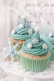 χρωματισμένη cupcakes κρητιδογρ&alp Στοκ Φωτογραφίες