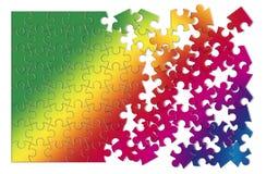 Χρωματισμένος γρίφος τορνευτικών πριονιών - εικόνα έννοιας στο άσπρο υπόβαθρο Στοκ Εικόνες