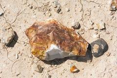 Χρωματισμένος η Amber βράχος ερήμων κοντά σε Arad στο Ισραήλ στοκ φωτογραφία με δικαίωμα ελεύθερης χρήσης