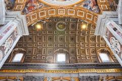 Χρωματισμένος θόλος του θόλου βασιλικών Αγίου Peter ` s Στοκ εικόνα με δικαίωμα ελεύθερης χρήσης