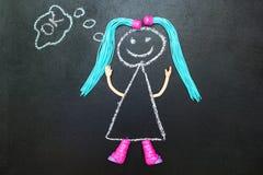 Χρωματισμένος με το κορίτσι κιμωλίας με τη σκέψη πλεξίδων ελεύθερη απεικόνιση δικαιώματος