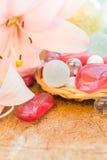 Χρωματισμένος πέτρες κρίνος έννοιας SPA zen Στοκ Φωτογραφία