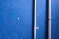 Χρωματισμένος τοίχος με την ηλεκτρική καλωδίωση Στοκ Φωτογραφίες