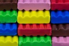 Χρωματισμένος Childs άργιλος διαμόρφωσης παιχνιδιών Στοκ Φωτογραφίες