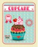Χρωματισμένος cupcake με το κόκκινο κεράσι, τόξο, ρόδινες καρδιές Στοκ Εικόνες