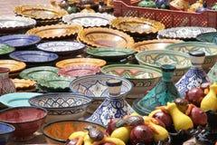 Χρωματισμένος tablewares Στοκ Φωτογραφία