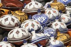 Χρωματισμένος tablewares Στοκ Φωτογραφίες