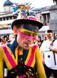 Χρωματισμένο άτομο στην ομοφυλοφιλική υπερηφάνεια Στοκ εικόνα με δικαίωμα ελεύθερης χρήσης