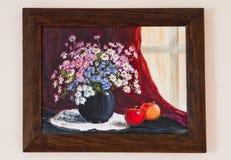 Χρωματισμένο έργο τέχνης - λουλούδια τομέων στο βάζο στον κόκκινο καμβά Στοκ Φωτογραφία