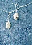 χρωματισμένο ανασκόπηση Πάσχας αυγών eps8 διάνυσμα τουλιπών μορφής κόκκινο Διακοσμητικά αυγά Πάσχας στον άσπρο κλάδο διάστημα αντ Στοκ Εικόνα