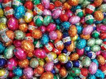 χρωματισμένο ανασκόπηση Πάσχας αυγών eps8 διάνυσμα τουλιπών μορφής κόκκινο στοκ εικόνες