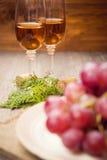 χρωματισμένο απεικόνιση κρασί χεριών σταφυλιών Στοκ φωτογραφία με δικαίωμα ελεύθερης χρήσης