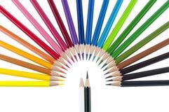 χρωματισμένο απομονωμένο λευκό μολυβιών μολυβιών ανασκόπησης χρώμα Στοκ Φωτογραφία