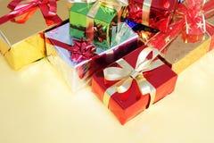 χρωματισμένο κιβώτια δώρο &pi Στοκ φωτογραφία με δικαίωμα ελεύθερης χρήσης