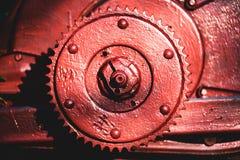 Χρωματισμένο μέταλλο μέρος της μη αναγνωρισμένης παλαιάς μηχανής στοκ εικόνες