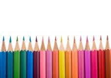Χρωματισμένο μολύβι σε ένα σύνολο σύνθεσης γραμμών που απομονώνεται στο λευκό Στοκ φωτογραφία με δικαίωμα ελεύθερης χρήσης