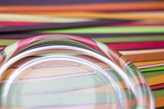 Χρωματισμένο περίληψη υπόβαθρο των λουρίδων του χρωματισμένου εγγράφου Στοκ Εικόνα