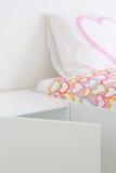 χρωματισμένο σπορείο drapes λ&epsi Στοκ φωτογραφία με δικαίωμα ελεύθερης χρήσης