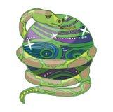 Χρωματισμένο φίδι στη μαγική σφαίρα Στοκ φωτογραφία με δικαίωμα ελεύθερης χρήσης