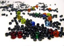 χρωματισμένο χάντρες γυα&lam Στοκ Εικόνες