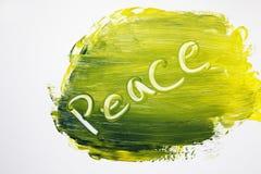 Χρωματισμένο χέρι σημάδι ειρήνης στα τολμηρά χρώματα στοκ φωτογραφία
