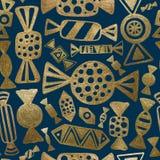 Χρωματισμένο χέρι χρυσό σχέδιο καραμελών Αφηρημένο άνευ ραφής υπόβαθρο γλυκών Στοκ φωτογραφίες με δικαίωμα ελεύθερης χρήσης