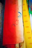 Χρωματισμένο ύφασμα στην ανατολική αγορά στοκ εικόνες με δικαίωμα ελεύθερης χρήσης