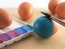 Χρωματισμός αυγών Στοκ εικόνα με δικαίωμα ελεύθερης χρήσης