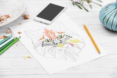 Χρωματισμός της αντι εικόνας πίεσης στον άσπρο ξύλινο πίνακα Στοκ Εικόνα